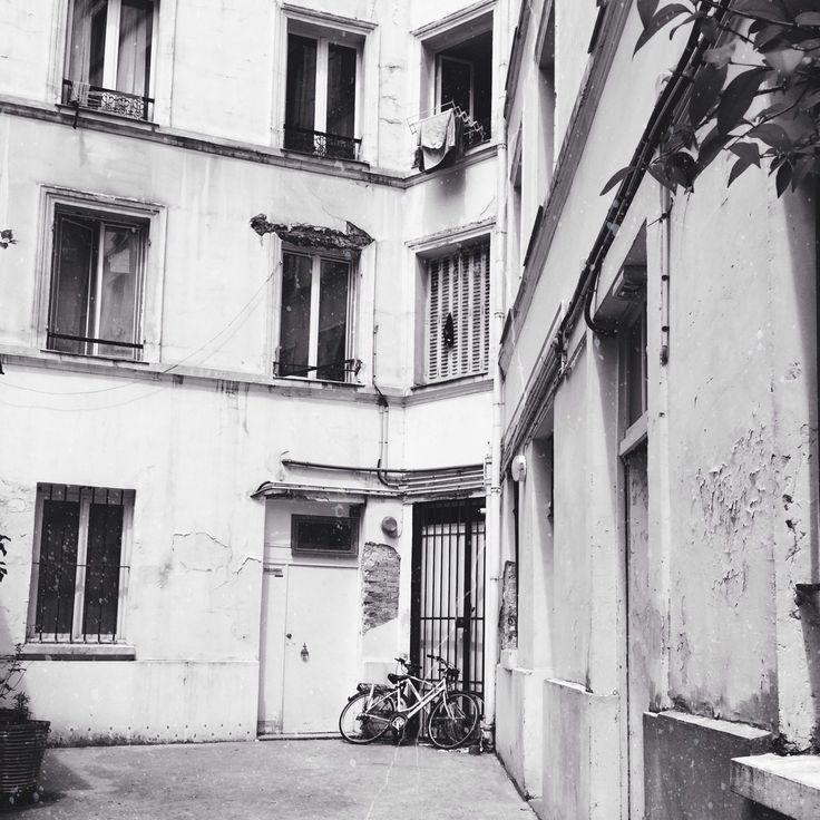 Belleville. #belleville #paris #building #bike