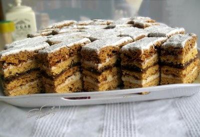 Prajitura Cu Miere De Albine, Honey cake with prune filling