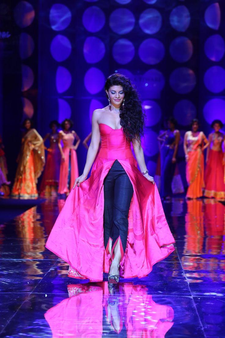 Encantador Vestidos De Boda En Nueva Delhi Ideas Ornamento ...