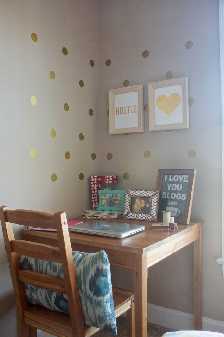 A great use of a small space for an office! via Life with Emily | a life + style blog : My Desk Space
