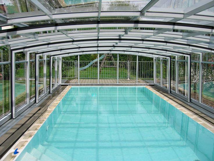 Velmi prostorné zastřešení bazénu typu VENEZIA od Alukovu.