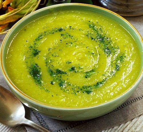 Soupe de courgettes et champignons : Recette de grand-mère