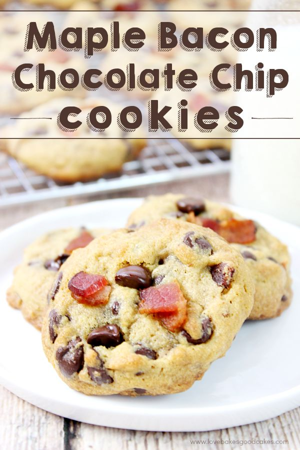 Take your chocolate chip cookies to the next level with these Maple Bacon Chocolate Chip Cookies! #BaconMonth2015: