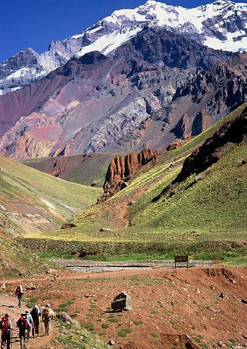 Aconcagua (at 6.960,8 m the highest mountain in the Americas), Aconcagua Provincial Park, Andes, Argentina