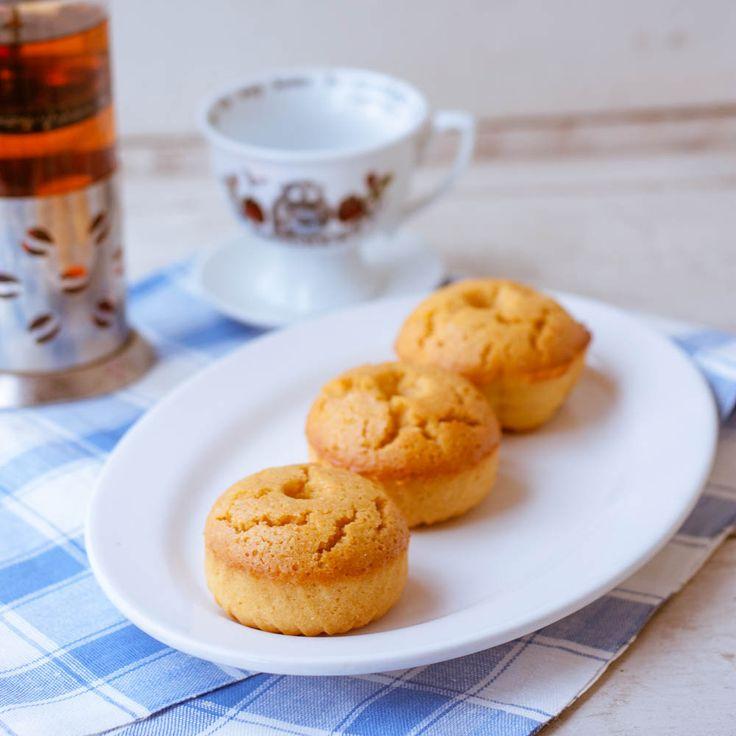Веганская выпечка по вкусу нисколько не уступает традиционной. А эти симпатичные апельсиновые маффины еще и полезны, они из нутовой муки, без глютена и сахара. Нежные, ароматные и очень вкусные! | vegelicacy.com