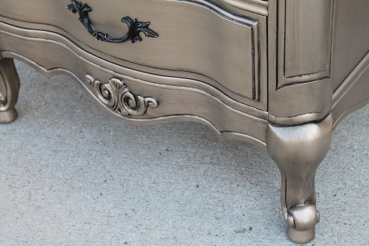 Faux metallic finish with antiquing glaze LOOOVEE