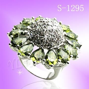 925 Sterling Silver CZ Enchanting Ring S 1295
