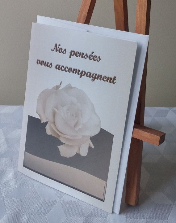 """Carte de voeux """"Nos pensées vous accompagnent"""" - Rose ambrée - Format : 5"""" x 7"""" (12,70 x 17,78 cm) - Carton satiné avec enveloppe blanche - Par Conception Idécréa"""
