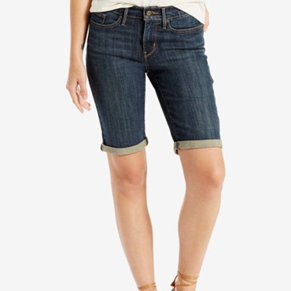 Levi's Bermudas In great condition ✨ Red Levi's tag on back pocket was cut off because I didn't like the color at the time Levi's Shorts Bermudas