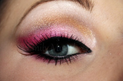 i love the pink with gold idea...