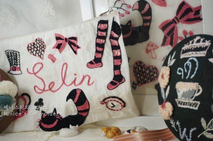 전에 Alice in Wonderland를 테마로 자수액자를 만든 적이 있죠~ http://blog.naver.com/kiwis78/2208915...