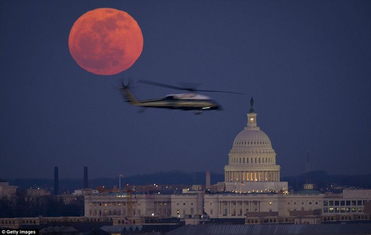 *Supermoon 2012...Washington DC: Glowing over the U.S. Capitol Building