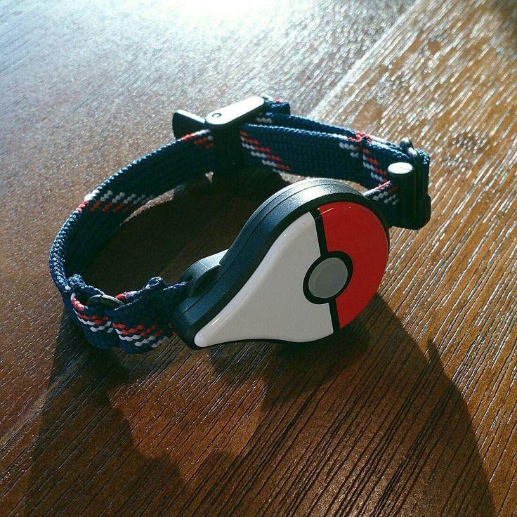 Nieuwe Pokémon vangen zonder de heel de tijd naar je gsm te kijken. Dat kan met de Pokémon GO Plus. Zorgt ook voor 1 Charisma. #geekstercollection  #pokemon #pokemongo #pokemongoplus #ninstagram #pokegram #gadgets #gamestagram