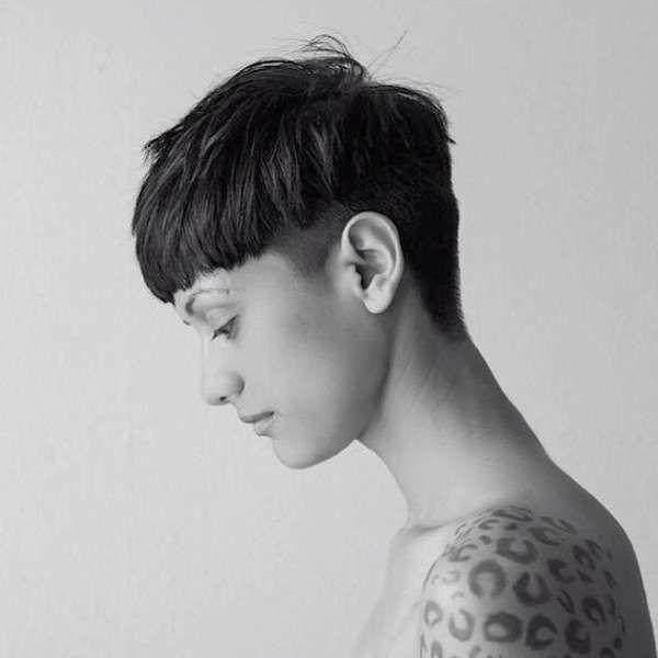 Tagli di capelli corti Autunno Inverno 2016-2017 - Taglio a scodella con lieve rasatura laterale