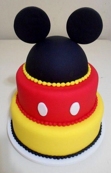 Bolo Fake Mickey e Minnie.  Perfeito para decoração de festas e fotografias. R$ 150,00