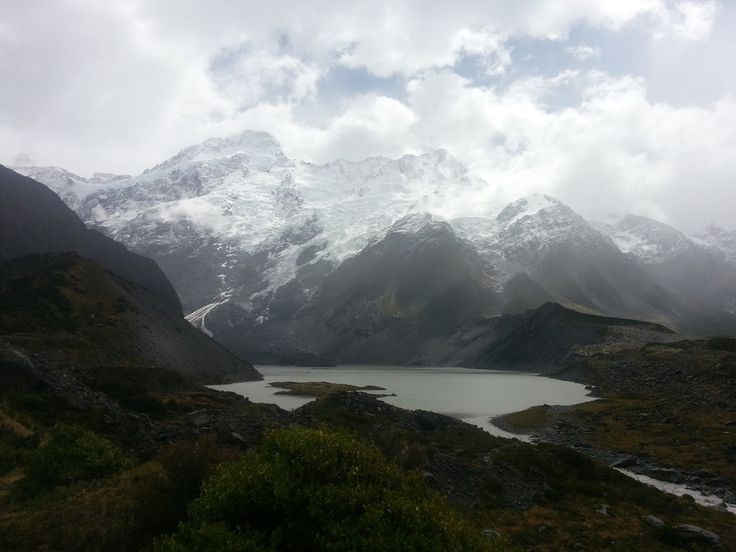 On a trip through South Island, Aoraki / Mount Cook is not on the direct way from any main tourist attractions, it is a little 63km detour, but I wan