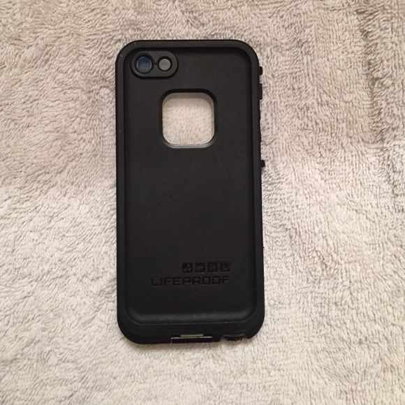 Black Life proof case for iPhone 5 Black life proof case slightly used. Upgraded phones and doesn't fit mine anymore. Great condition. Accessories Phone Cases