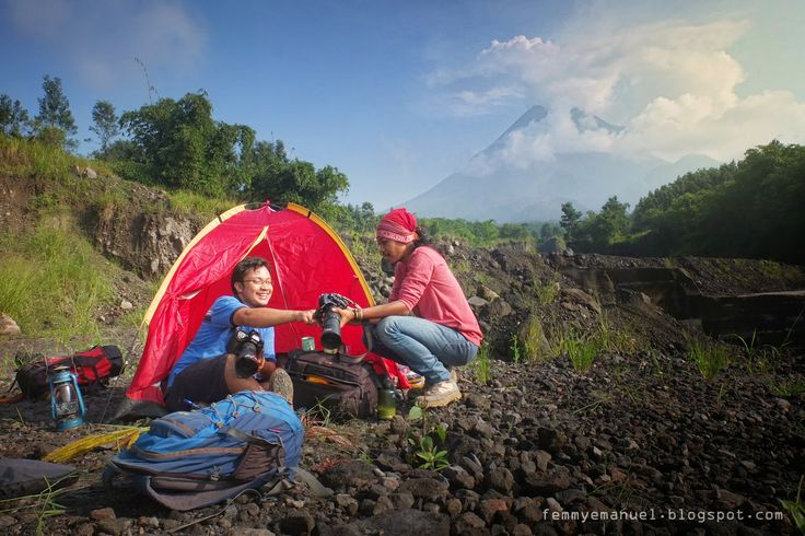 camping set for prewedding photoshoot with DOF Photo Jogja