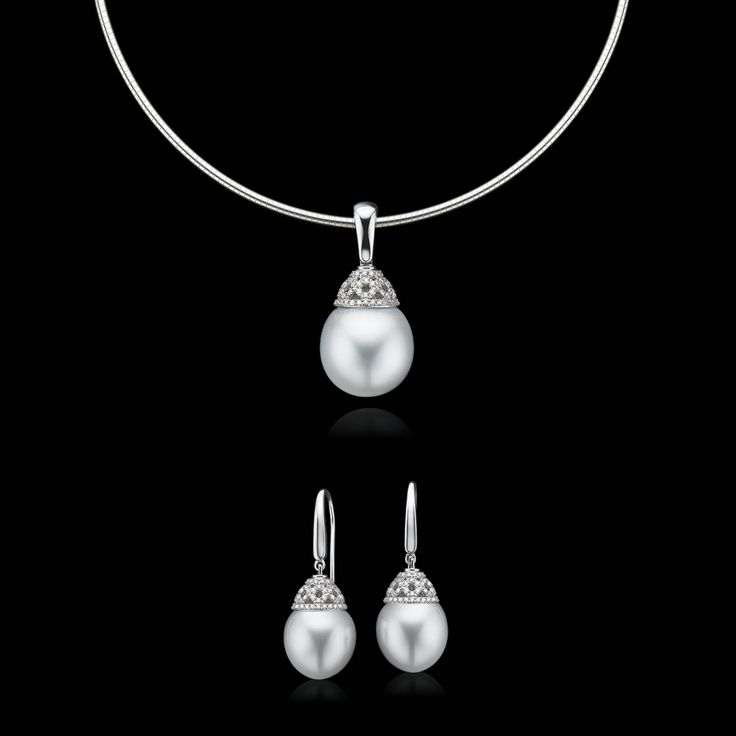 Another gorgeous piece from our Constellation Collection. This new and exclusive Collection consists of 'one-off' pieces of pure luxury, with each piece being named after a shining star. Visit your nearest Mazzucchelli's store soon to register your interest in viewing this stunning Collection.#mazzucchellis #constellationcollection #jewellery #luxury #giftideas #giftsforher #pearls #pearlearrings #pearlnecklace #love