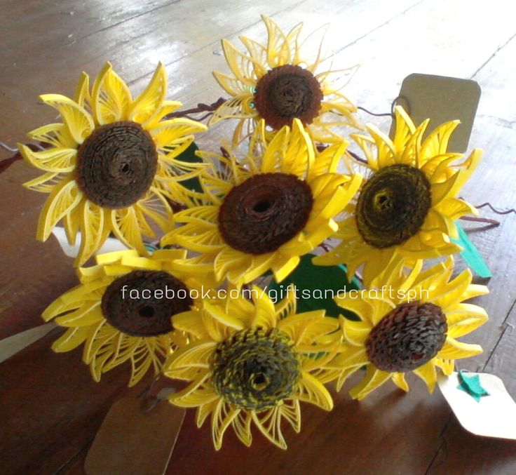 Php 60 | 6 cm per flower time completion: 1 hr and 35 mins per flower  For more queries CONTACT US!