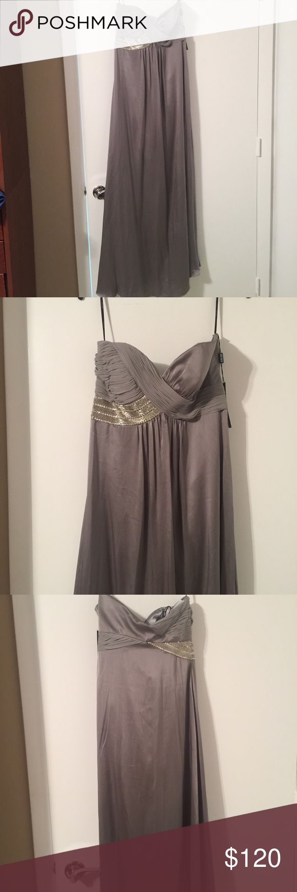Silk strapless evening gown Silver grey strapless evening gown in silk! Beautifu…