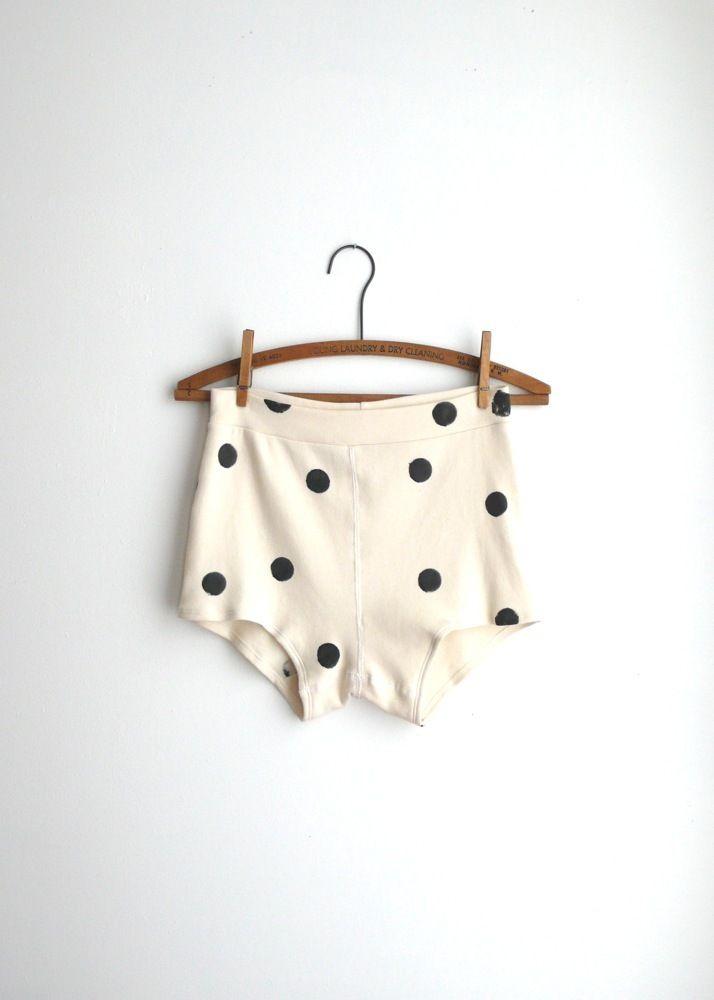 Dotty Britches: Polka Dots Pants, Fashion, Style, Denver Broncos, Black White, Design Bags, Polkadots, Polka Dots Shorts, Bags Handbags