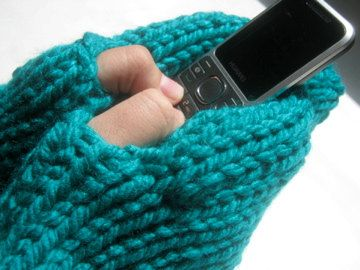 Ladies Texting MITTS Hand-warmers,  Knit Gift, Emerald Green,  Acrylic, READY to ship by KnitIdea on Etsy