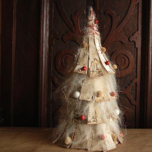 handmade Christmas decor made of natural materials by Gałecka Dekoracje