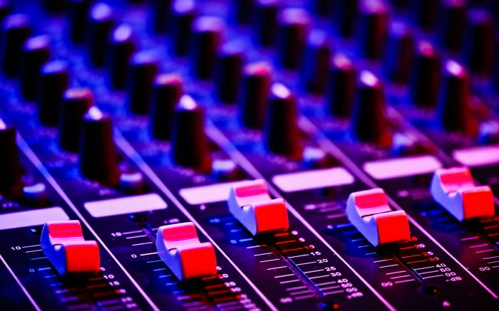 18 sitios para descargar música libre con licencia Creative Commons | GeeksRoom