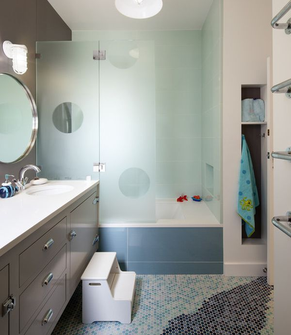 Imaginative Transluscent Glass Enclosure Creates A Vibrant Look In Cool  Blue For The Kidsu0027 Bathroom