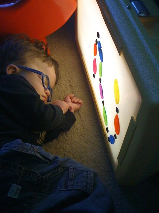 Nice assortment of light box ideas for kids with visual impairment (and also typical kids!)
