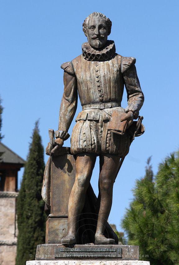 Miguel Cervantes statue on Plaza Universidad Valladolid