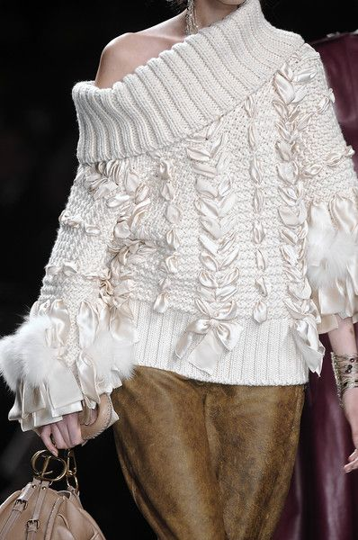 Christian Dior Fall 2010 - white oversized chunky sweater