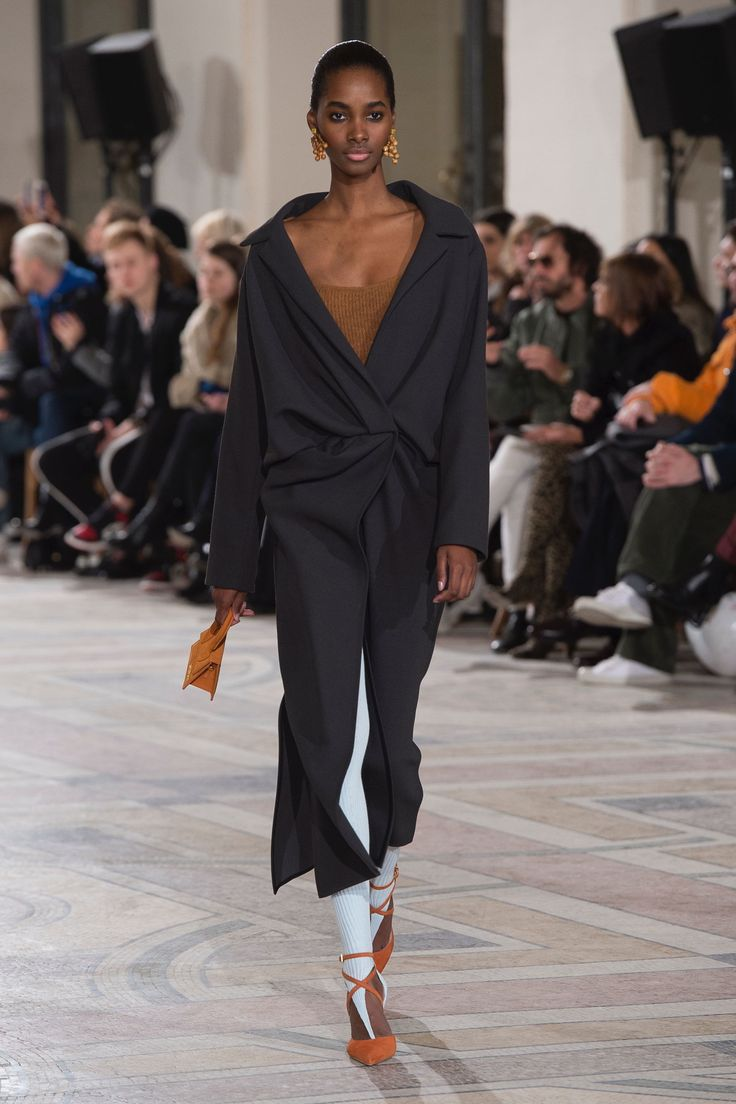The complete Jacquemus Fall 2018 Ready-to-Wear fashion show now on Vogue Runway.
