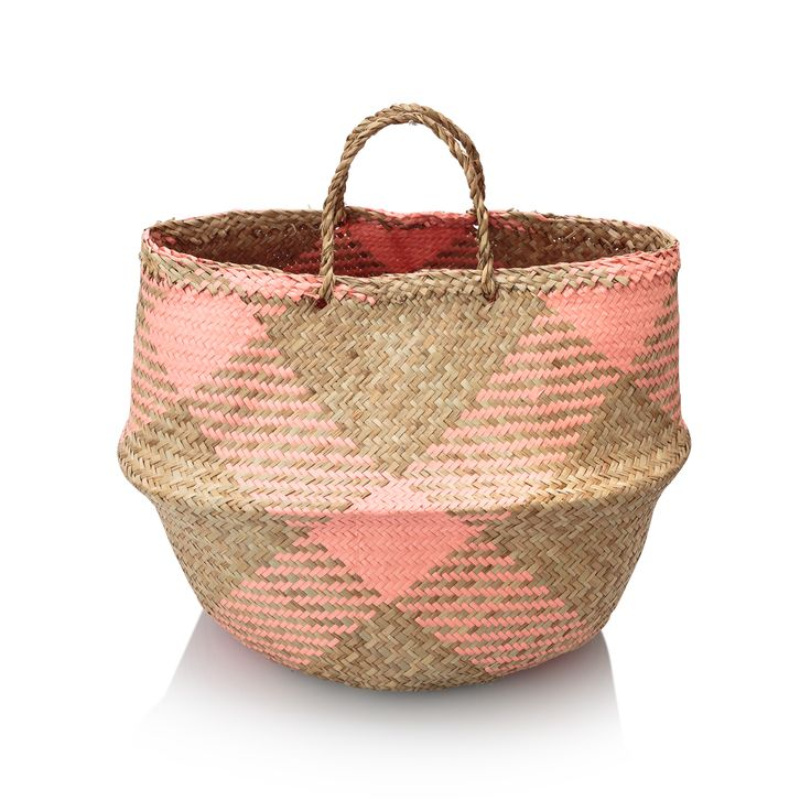 Take a lesson from these Sea Grass Baskets in how to handle storage this season