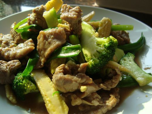 Thai Stir Fried Beef with Oyster Sauce and Broccoli Recipe