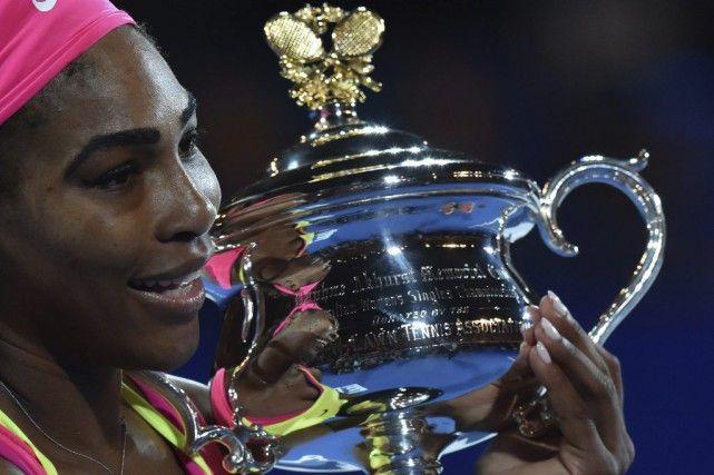 31 janvier 2015 - Serena Williams triomphe en Australie : Serena Williams a un peu plus ancré son nom dans la légende du tennis en remportant un 19e titre majeur après avoir encore fait souffrir Maria Sharapova en finale de l'Open d'Australie, samedi à Melbourne.