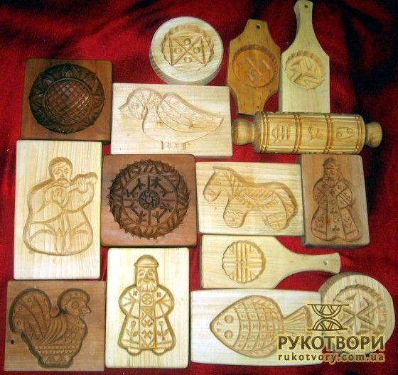 Wood forms for traditional St. Nicholas and Christmas  honey cookies. Work by Volodymyr Markaryan. //  Пряничні форми Володимира Маркар'яна