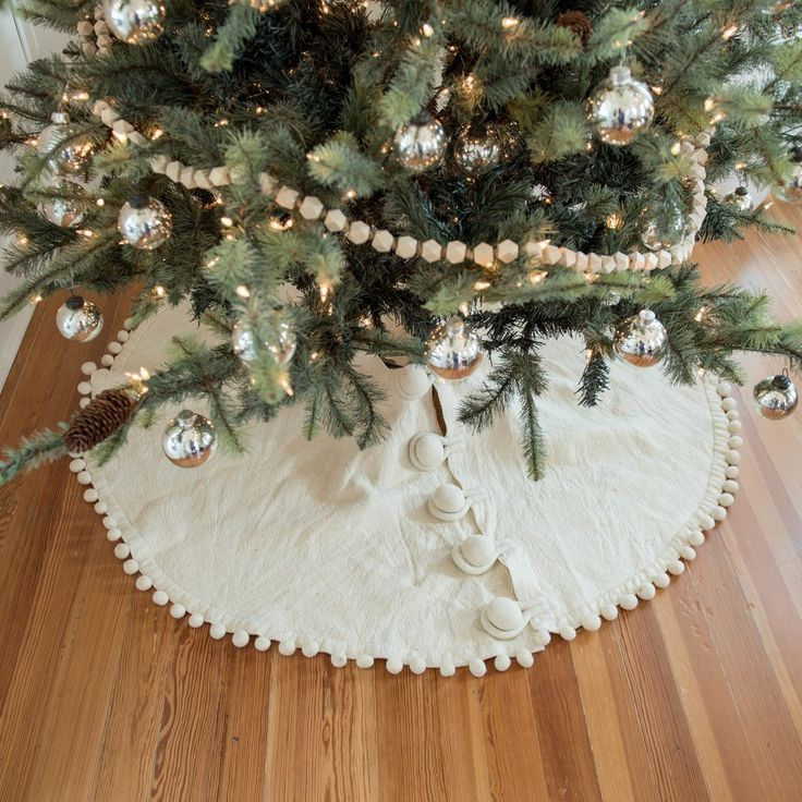 Pom Pom Tree Skirt – Magnolia Market