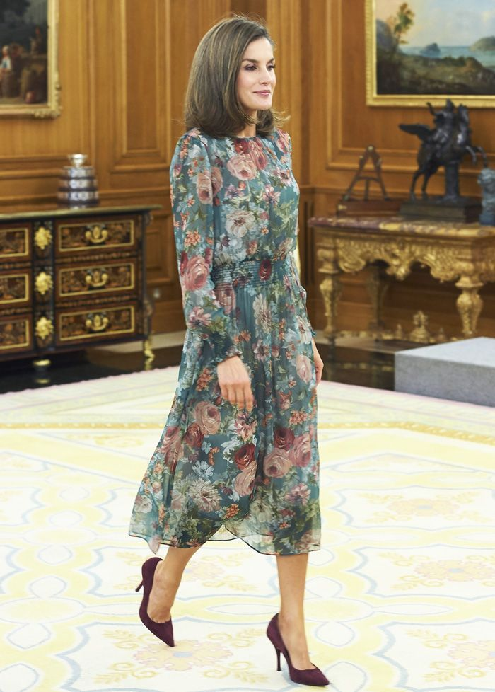 5bae24c671f Queen Letizia loves Zara as much as you do—here s how she wore the cult  brand this year.