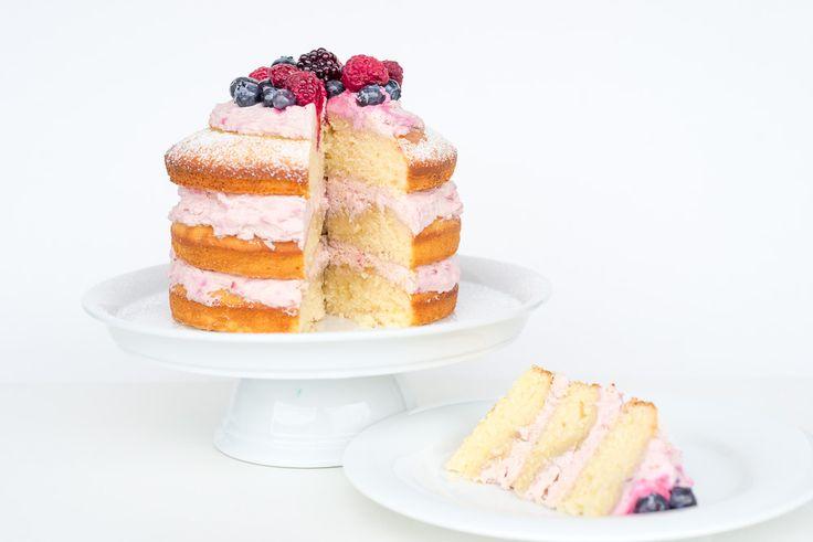 Unser allerliebstes Naked Cake Rezept mit feiner Himbeer-Mascarpone Füllung. Sieht richtig toll aus und ist einfach himmlisch!