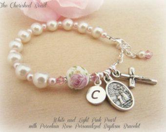 Personalizada bebé bautismo perla y pulsera por TheCherishedBead