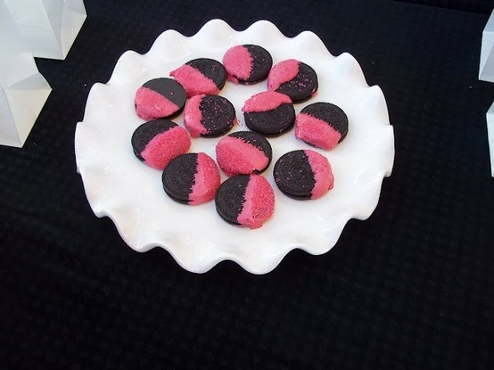 Black and Pink Oreos - Black and pink party - Click image to find more Kids Pinterest pins
