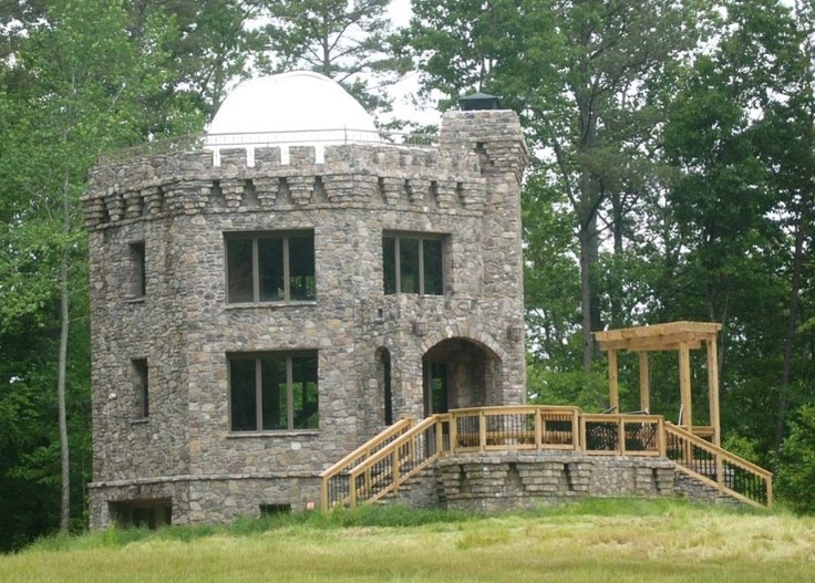 Castle home like a fairytale tiny home pinterest for Small houses that look like castles