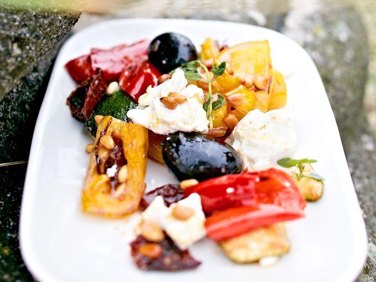 Vegetarisch grillen - Gemüse und Käse vom Rost - grillgemuese-ziegenkaese  Rezept