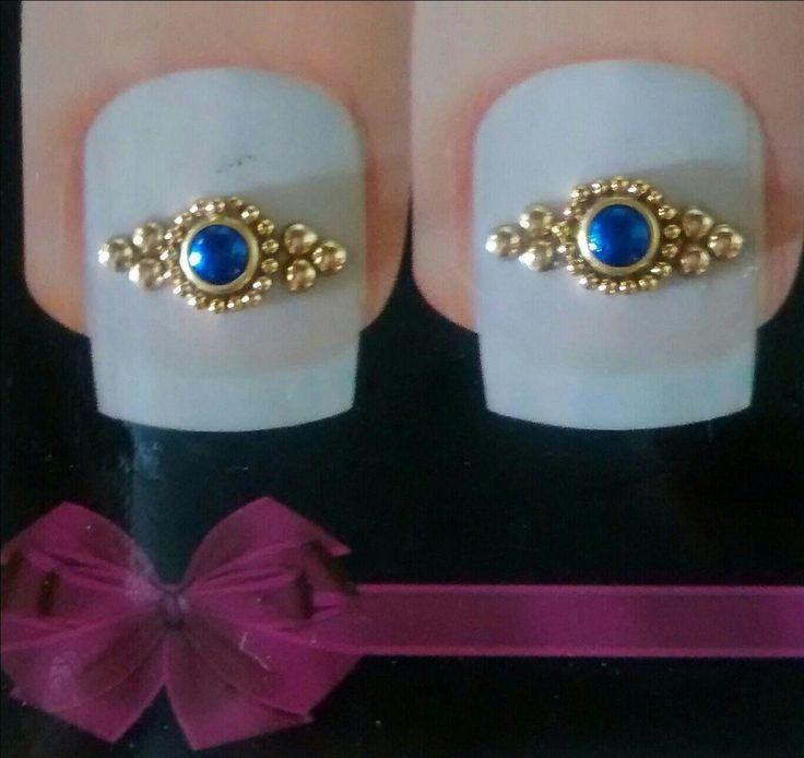 Kit com 5 pares de jóia de unha uma diferente dá outra como mostra as fotos