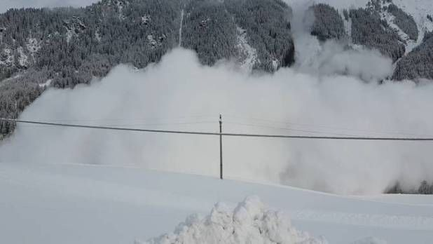 Dramatic video captures California rescue of man buried in avalanche