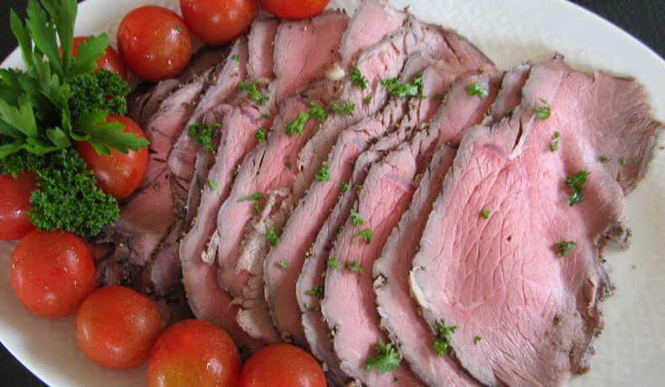 Låg ugnstemperatur ger saftigare kött. Serveras varm eller kall. Gott med [recept potatissallad-med-apple], grönsaker, oliver och rostad stekt lök  till kall rostbiff. Räcker till 4-6 personer. Går att frysa in.
