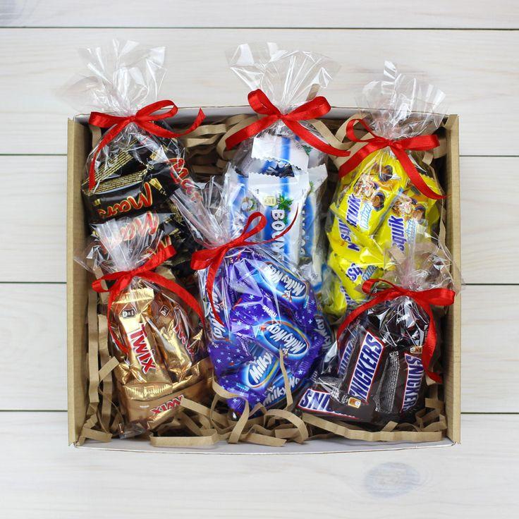 Какой же праздник без сладостей? А особенно без мини шоколадных батончиков ...