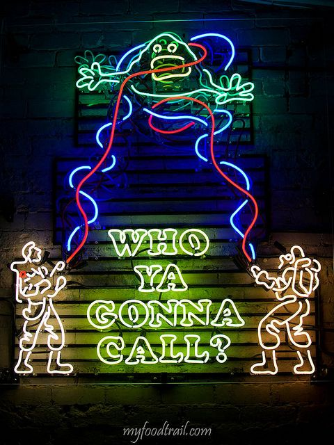 Neon sign in front of the Mexican restaurant Touché Hombre in Melbourne, Australia - Photography by myfoodtrail {via Flickr}